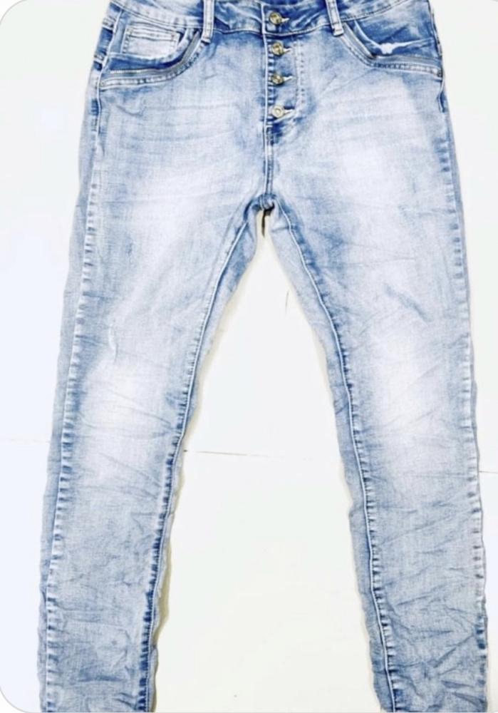 efb45ff6 Boyfriend Jeans Reunion - MotherBoah Web Shop